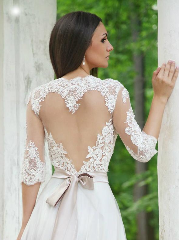 escote de vestido de novia corazón