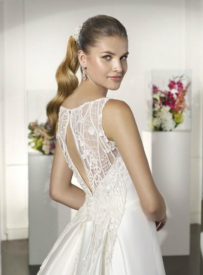 escote ojal de espalda para vestido de novia