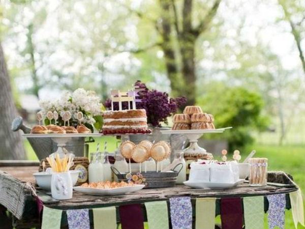 rico lindo y divertido para la boda dessert table - Bodas Sencillas