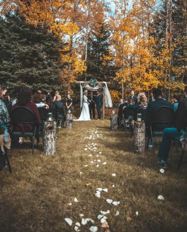 boda rustica altar