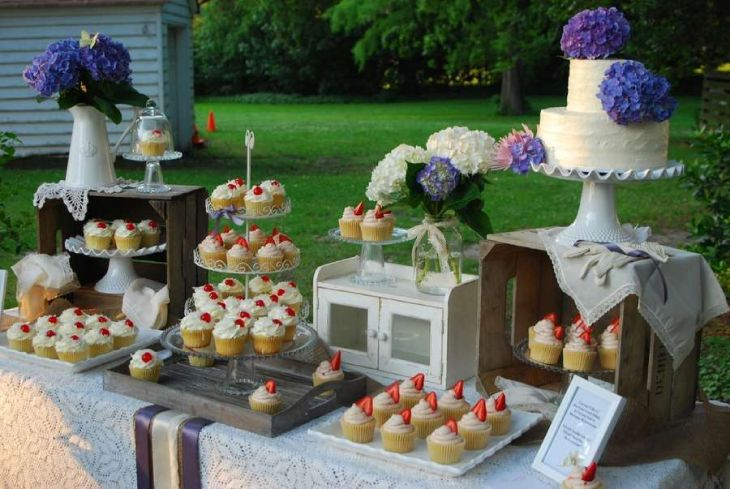 mesa de postre para boda vegana